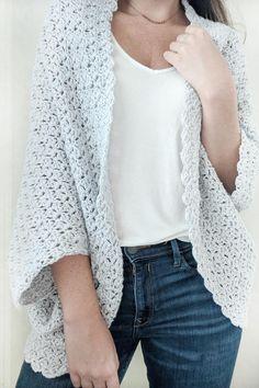 The Blanket Shrug - Free Crochet Pattern - Jewels and Jones Crochet Fall, Cute Crochet, Easy Crochet, Crochet Gifts, Crotchet, Crochet Top, Crochet Shrug Pattern, Crochet Cardigan, Crochet Patterns