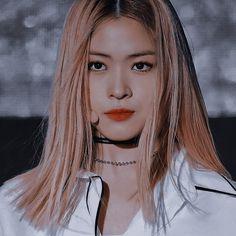 Kpop Aesthetic, Aesthetic Photo, Kpop Girl Groups, Kpop Girls, Korean Girl, Asian Girl, Blonde Anime Girl, I Love Girls, K Pop