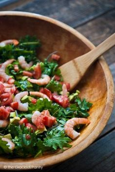 Clean Eating Shrimp And Kale Salad ~ http://www.thegraciouspantry.com