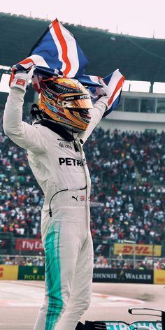 Mercedes Petronas Formula One & Mercedes Petronas Mercedes Amg, Mercedes Lewis, F1 Lewis Hamilton, Lewis Hamilton Formula 1, Formula 1 Autos, Formula 1 Car, Ferrari F1, Formula 1 Mexico, Mercedes Petronas
