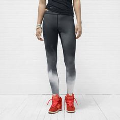 Now that cooler weather has arrived, it's all about the running tights. LOVE these leggings. #SelfMagazine