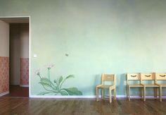 Kids' Room Ideas: Creating a Mural from Wallpaper Murals Street Art, Kindergarten, Design Strategy, Home Renovation, Wall Murals, Home Goods, Home Improvement, Interior Decorating, House Design