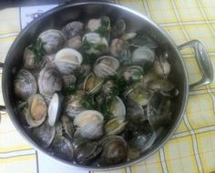 Simple and Easy Portuguese Clams in Garlic recipe.