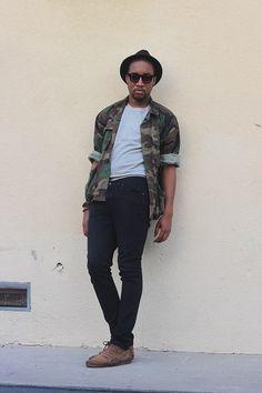 Necesitas camuflaje esta temporada. Si es una jacket mejor. | 23 Trucos de moda que todos los hombres estilosos deben probar