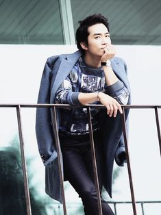 Song Seung Hun - High Cut Magazine Vol.110  --- Doesn't it seem like he is looking right at you???