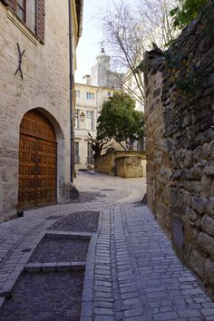 UZES - Wandering through the cobbled streets of this charming medieval market town in Provence