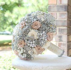 Blush wedding brooch by annasinclair Broach Bouquet, Wedding Brooch Bouquets, Wedding Show, Our Wedding, Dream Wedding, Broschen Bouquets, Marie, Wedding Flowers, Bridal