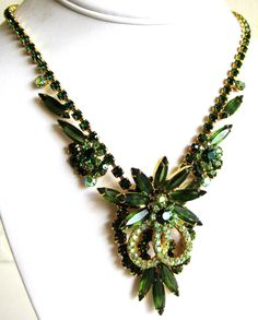 This Is A Lovely Piece By Delizza & Elster (D&E) Juliana.  The Necklace Is In Very Good Condition And Is A Verified Piece On The Aged And Op...  #flowers #gold #green #vintage #jewelry