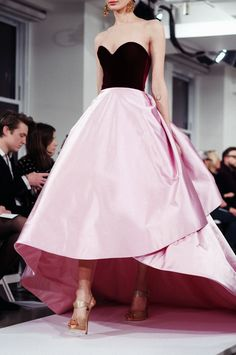 Oscar de la Renta - pink taffeta and a black bodice with a sweetheart neckline -- could anything be more perfect!?