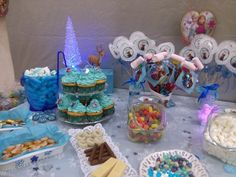 Candy Bar Frozen, Cake, Desserts, Food, Pie Cake, Meal, Cakes, Deserts, Essen