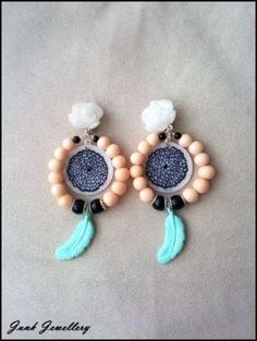 Dangling earrings made of fimo..