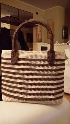 Free Crochet Bag, Crochet Tote, Crochet Handbags, Crochet Purses, Crochet Slippers, Filet Crochet, Crochet Yarn, Crotchet Bags, Knitted Bags