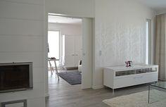 Porte coulissante Eclisse dans intérieur blanc contemporain