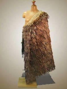 Maori and Polynesian Maori Designs, Maori Patterns, Polynesian People, Flax Weaving, Feather Cape, Nz Art, Maori Art, The Beautiful Country, Indigenous Art