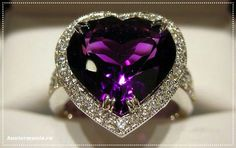 Amethyst heart gemstone ring with diamond surround Purple Love, All Things Purple, Shades Of Purple, Purple Stuff, Deep Purple, Purple Jewelry, Amethyst Jewelry, Lila Outfits, My Birthstone