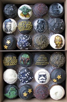 Or the Star Wars cupcakes! #starwarsparty