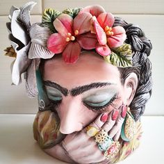 Cute Polymer Clay, Polymer Clay Creations, Polymer Clay Jewelry, Ceramic Sculpture Figurative, Ceramic Mask, Plaster Art, Painted Flower Pots, Clay Vase, Pottery Classes