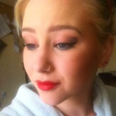 Make up of the day #makeupoftheday #eyeshadow #eyeliner #redlipstick #lipstick #brows #browgame #pinup #50s