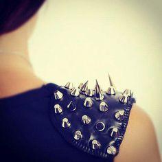 Studded shoulders ~Inspired by Batiste's Brunette/Dark Dry Shampoo http://www.batistehair.com.au~ #hair #hairstyle