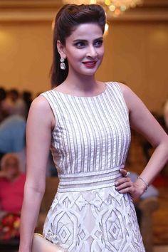 Saba Qamar Insults #Bollywood Actors, Goes Viral