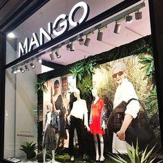 WEBSTA @ we_love_retail - 2017 | MANGO | ITALY | >Inspírate con sus nuevas tendencias de primavera.  >Inspire yourself with the new spring trends.#retail #windowdisplay #shoppers #weloveretail #visualmerchandising #arquiteturacomercial #mango #italy