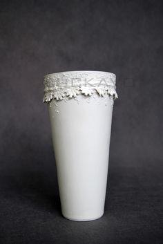Césare - porcelain decoration by lace Lace Vase, Porcelain, Pure Products, Elegant, Decoration, Home Decor, Classy, Decor, Porcelain Ceramics