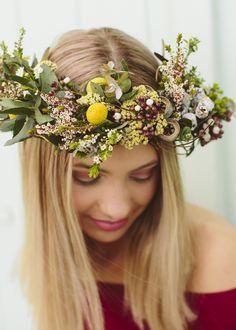Amazing Dodda Vine semi-dried Flower Crown by Simply Stems