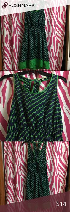 Price Drop ❌ Navy Blue and Green Dress This navy blue and green ya los angeles could be dressed up or down. Great condition. Zigzag pattern with tight waistband and adorable back design. 65% cotton 35% polyester. Hand wash only. Feel free to comment if you have any questions. Ya Los Angeles Dresses Mini