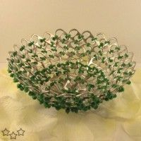 cool 100 crafts with can rings/ 100 Can tabs - pop tabs crafts Soda Tab Crafts, Can Tab Crafts, Aluminum Can Crafts, Metal Crafts, Ring Crafts, Jewelry Crafts, Pop Can Tabs, Soda Tabs, Recycling