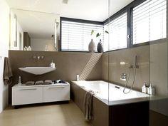 Machen Sie Ihr kleines Badezimmer größer, schöner und wohnlicher. So geht's.