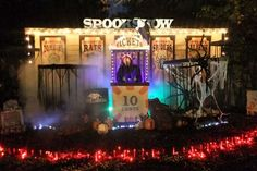Designer Scott Stoll shows us how he created his amazing Halloween yard display, a macabre carnival with skeletons, zombies and creepy giant spiders. Halloween Outside, Halloween Lawn, Halloween Circus, Theme Halloween, Halloween Haunted Houses, Halloween 2014, Outdoor Halloween, Halloween Projects, Holidays Halloween