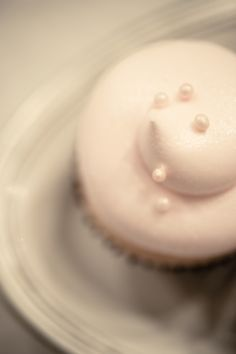 I like this design for Bethany's cupcakes for her wedding.