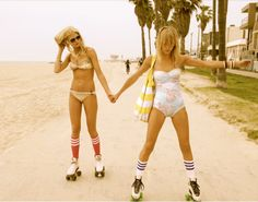 Posts about vintage roller-skate girls written by zombot Roller Derby, Roller Quad, Roller Skating, Roller Disco, Pink Summer, Summer Of Love, Summer Fun, Summer Things, Retro Summer