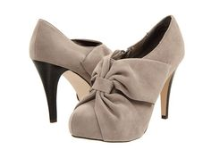 Violet Hills Weddings + Events: winter shoes for your winter wedding.
