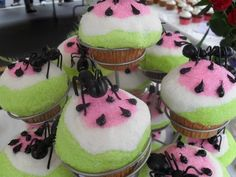 Watermelon and ant cupcakes by Delsing's Bakery at 2011's Gardiner Cupcake Festival. #cupcakes #watermelon #ants #cute
