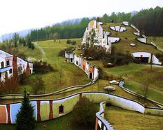 8 lush green rooftops from around the globe: Rogner Bad Blumau Hotel, Styria, Austria Green Architecture, Sustainable Architecture, Landscape Architecture, Landscape Design, Natural Building, Green Building, Unusual Hotels, Living Roofs, Oscar Niemeyer