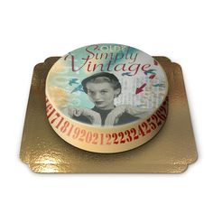"""Cake with print """"Old? Simply Vintage"""", art by Pia Lilenthal, BlondZebra."""
