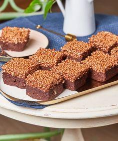 Sütésmentes vegán brownie | Street Kitchen Krispie Treats, Rice Krispies, Vegan Brownie, Green Kitchen, Raw Vegan, Raw Food Recipes, Cereal, Low Carb, Gluten Free