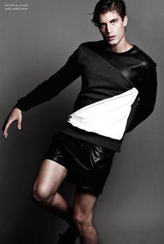 Wonderful, texture blocking on men's sweater