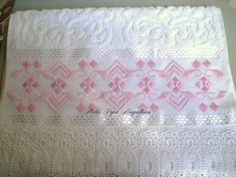L Swedish Weaving, Beading Projects, Blackwork, Cross Stitch Embroidery, Bed Pillows, Diy And Crafts, Quilts, Blanket, Pattern