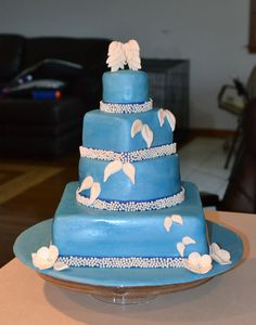 angel wing family reunion cake