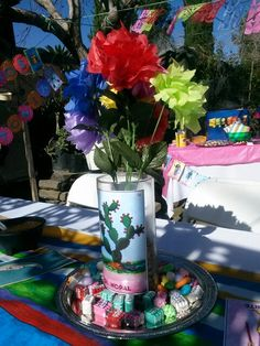 Loteria themed centerpiece minus the flowers Mexican Birthday Parties, Moms 50th Birthday, Mexican Fiesta Party, Fiesta Theme Party, Birthday Party Themes, 21st Party, Party Party, Mexican Theme Baby Shower, Mexico Party