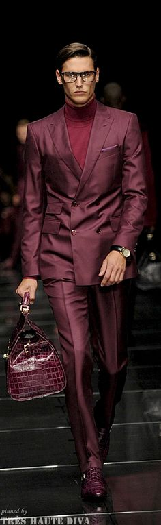 HUGO BOSS - Men's wine double breasted suit with contrasting mock neck, embossed satchel shoes. Really nice mono-chromatic color scheme! Fashion Moda, Look Fashion, Winter Fashion, Fashion Show, Mens Fashion, Fashion Menswear, Fashion News, Sharp Dressed Man, Well Dressed Men