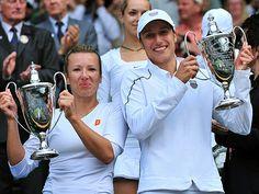 Kveta Peschke/Katarina Srebotnik | Strahlende Siegerinnen: Kveta Peschke und Katarina Srebotnik (re.). Vann 2011 damdubbeln över Sabine Lisicki/S. Stosur 6-3, 6-1.