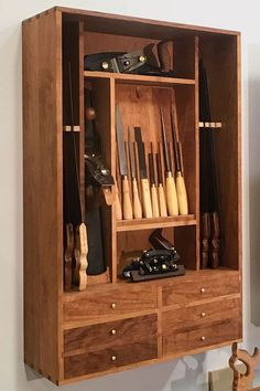 Woodworking Tool Cabinet, Woodworking Equipment, Woodworking Hand Tools, Woodworking Shop, Woodworking Projects, Garage Tool Storage, Garage Tools, Shop Cabinets, Antique Tools