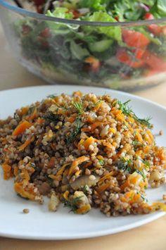 Buchweizen mit Zwiebeln und Karotten