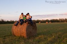 family photography with hay bales Raleigh durham FUN family photography www.morganhendersonphotography.com