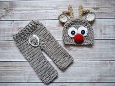 knit newborn reindeer outfit