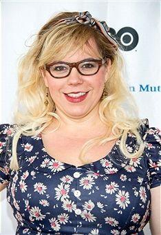 Kirsten vangsness cleavage