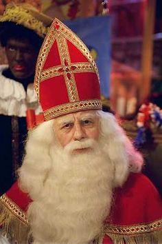 Sinterklaas,Een mooie heel oude traditie die als het aan mij ligt nog heel wat jaartjes de schoentjes van vooral de jongste kinderen op 6 December dan rijd de Sint de kadootjes,en voor de grotere is er pakjes avond met een rijm en suprise. lb xxx.